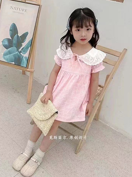 萌宝宝童装品牌2021春夏娃娃领粉色连衣裙
