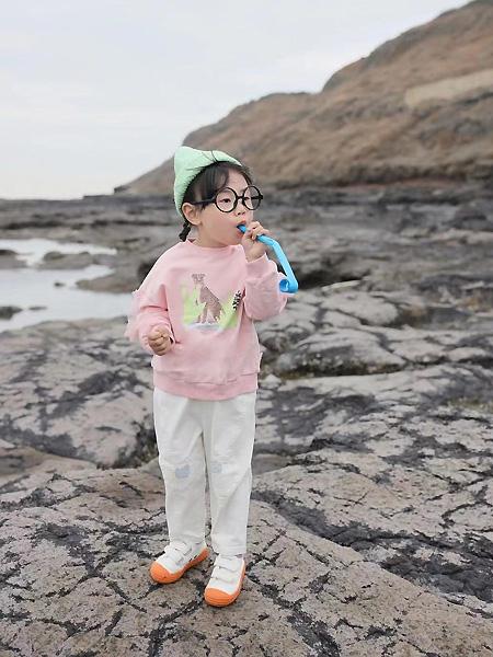 萌宝宝童装品牌2021春夏粉色上衣