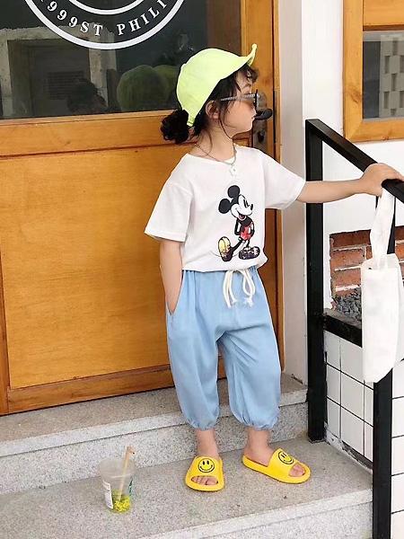 萌����童�b品牌2021春夏米老鼠�D案T恤