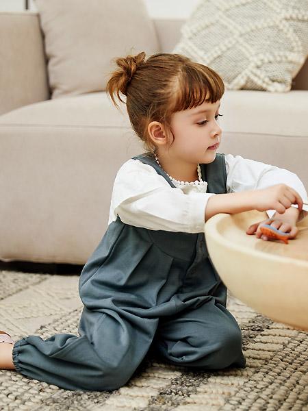 三木比迪童装品牌2021春夏休闲宽松吊带裤