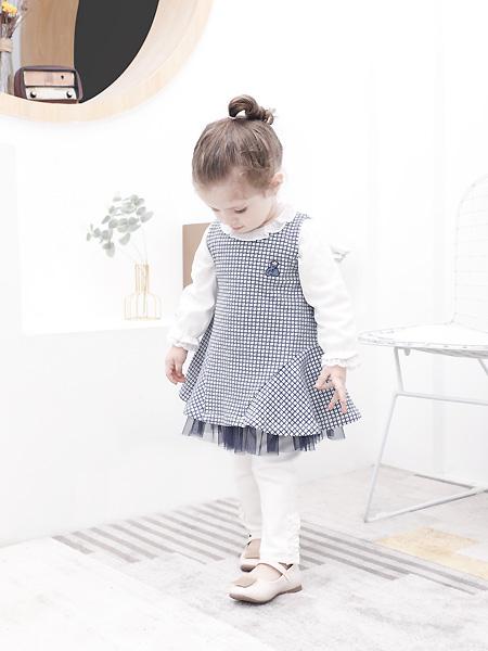 圣宝度伦童装品牌2021春夏可爱格子短裙