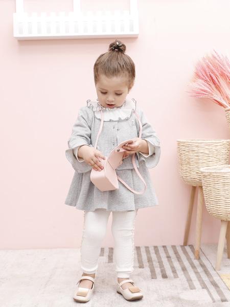 圣宝度伦童装品牌2021春夏学院风宽松短裙