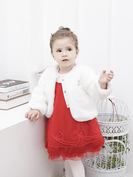 圣宝度伦童装品牌2021春夏洁白色毛呢外套