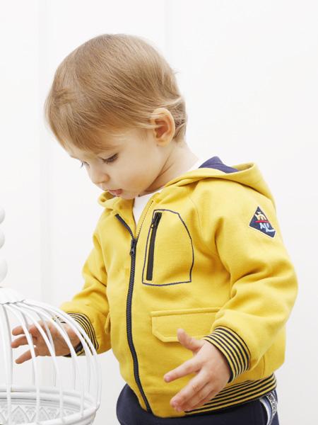 圣宝度伦童装品牌2021春夏运动黄色外套
