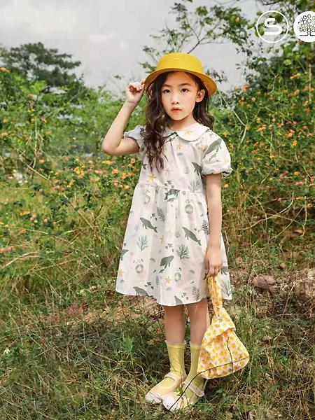 森虎儿童装品牌2021春夏娃娃领泡泡袖宽松连衣裙