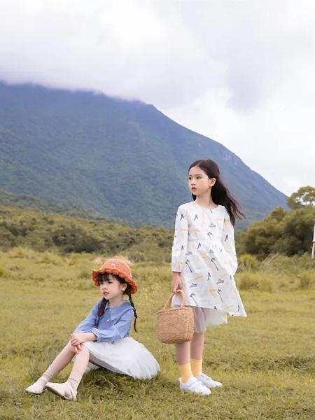 莳季童装品牌2021夏季文艺蓝色衬衫