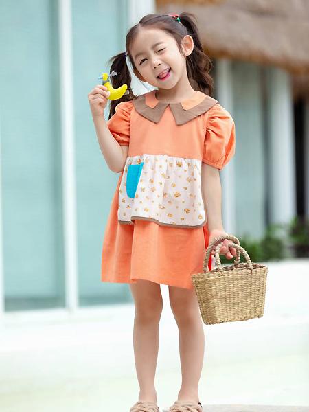 中启服饰童装品牌2021夏季宽松泡泡袖橙色连衣裙
