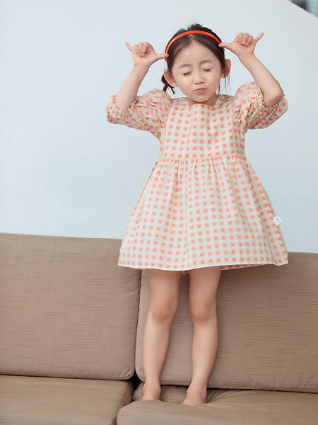 中启服饰童装品牌2021夏季甜美波点宽松纯棉连衣裙