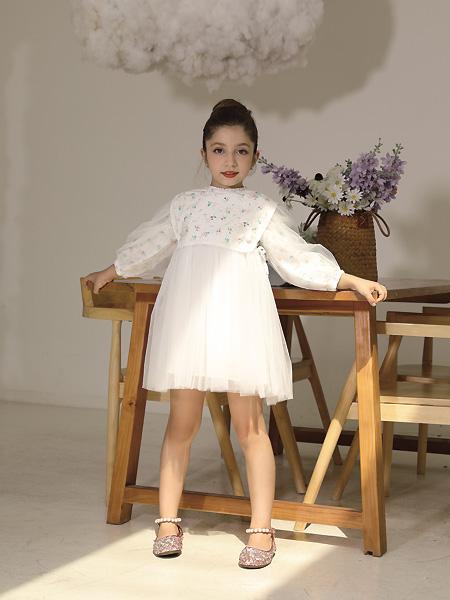 快乐精灵童装品牌2021夏季白色学院风网纱连衣裙