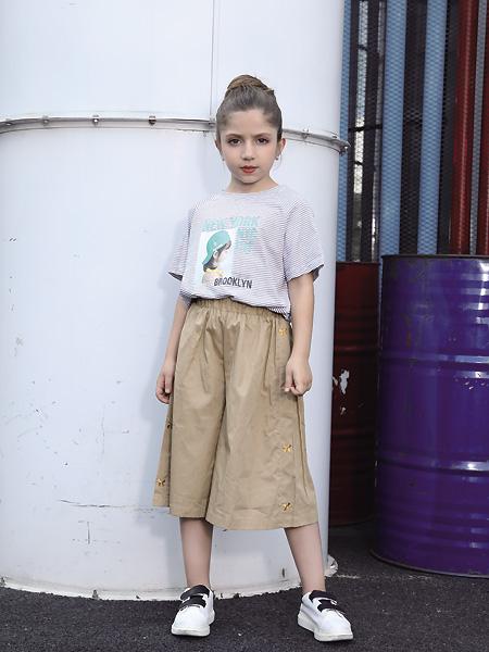 快乐精灵童装品牌2021夏季小女孩团紫色T恤