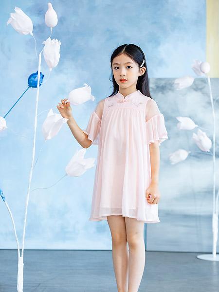 德蒙斯特童装品牌2021夏季中国风宽松微褶连衣裙