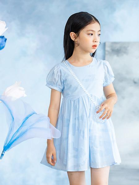 德蒙斯特童装品牌2021夏季印花清新蓝色连衣裙