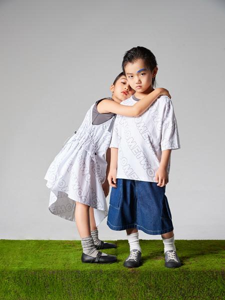 吾名堂童装品牌2021夏季印字母时尚中袖T恤