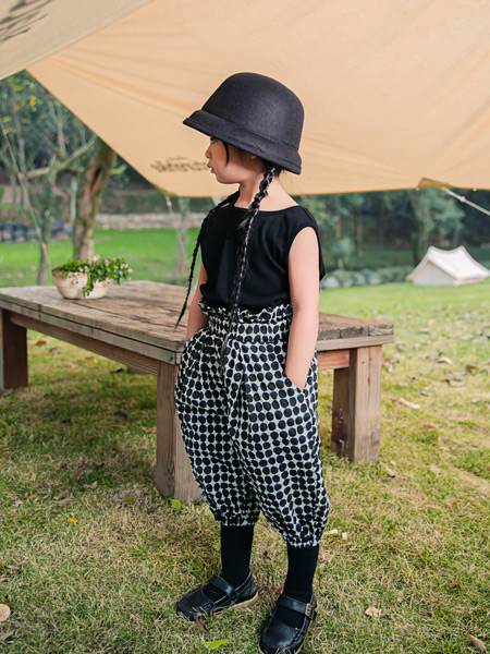 吾名堂童装品牌2021夏季黑色显瘦上衣