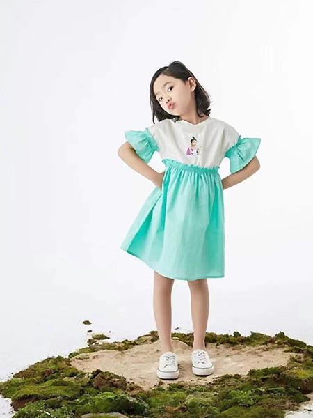 中�⒎��童�b品牌2021夏季荷�~中袖��性�B衣裙