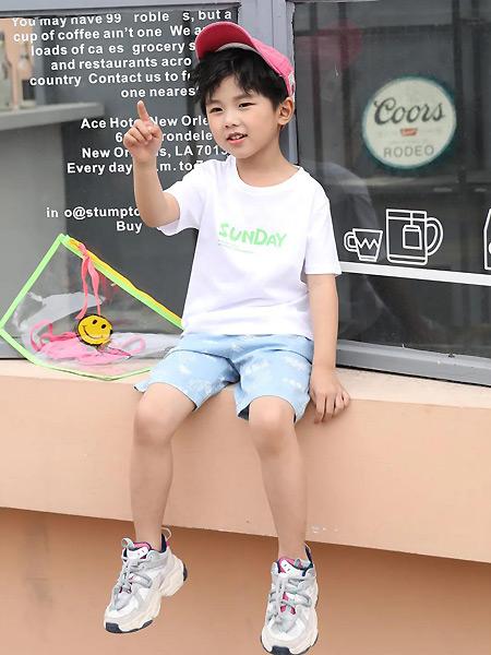 唐机豆豆童装品牌2021夏季休闲白色印字母T恤