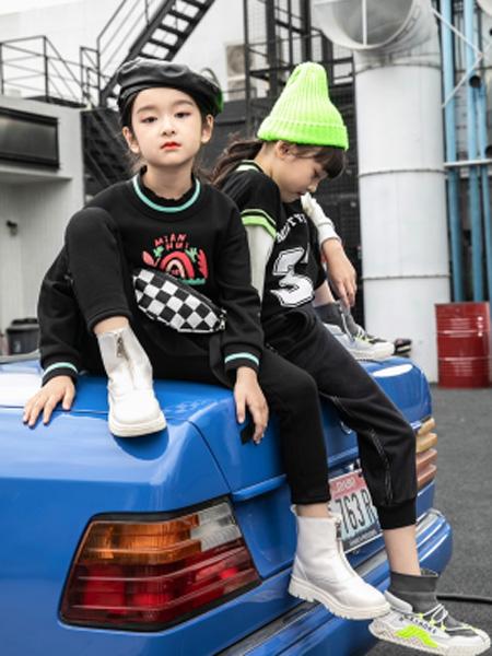 Babe Buddie宝贝巴迪童装品牌2021秋冬新款黑色潮童上衣