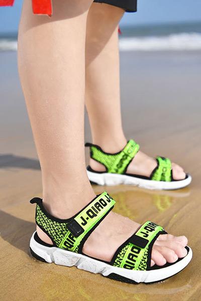 童鞋品牌2021夏季新款潮中大童小孩子学生儿童凉鞋防滑沙滩鞋