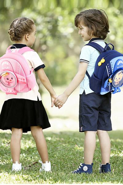 婴童用品粉蓝色时尚背包