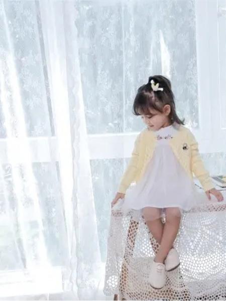 缝纫机小队长童装品牌2021夏季白色纱纱连衣裙