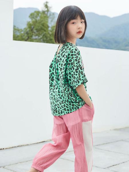 MCMK玛卡西童装品牌2021春夏时尚绿色豹纹T恤