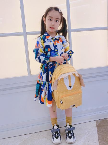 ULLU优露童装品牌2021夏季拼接色印画连衣裙