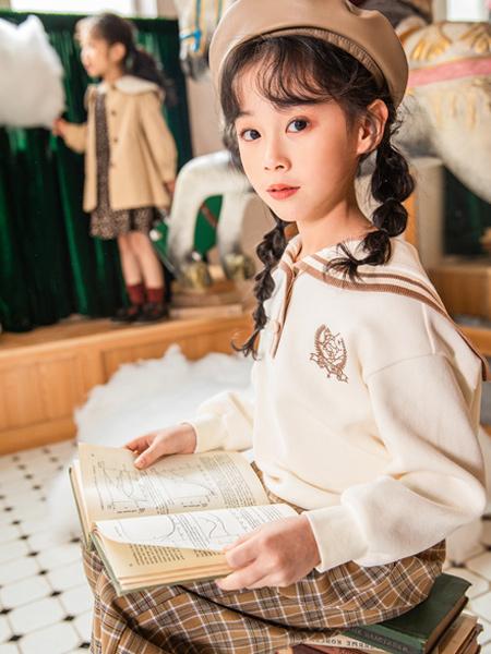 淘气贝贝童装品牌2021秋冬学院风徽章刺绣针织衫