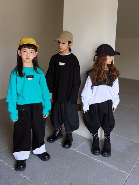 拉酷儿童装品牌2021秋季时尚胸口刺绣T衬衣套装