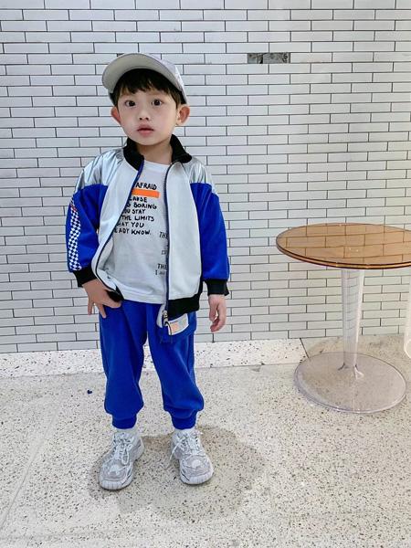 妙优童装品牌2021秋冬拼接色反光休闲外套