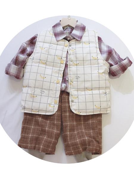 小明星童装品牌2021秋冬格子纹路刺绣马甲套装