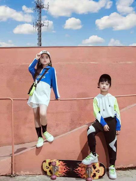 宾果童话童装品牌2021秋季宽松潮流卫衣套装