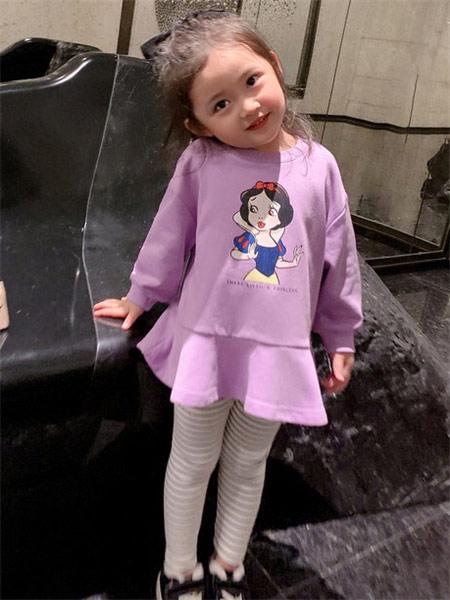 123童装童装品牌2021秋季白雪公主印花圆领上衣