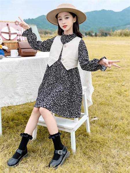 YC.KIDS童装品牌2021秋冬圆领印花甜美纯棉连衣裙