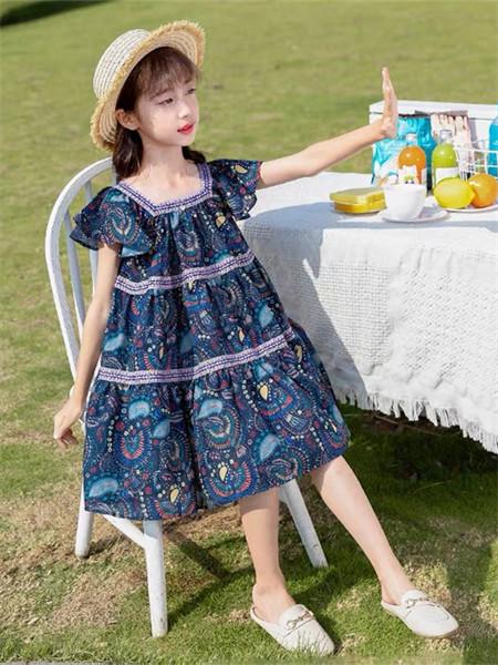 YC.KIDS童装品牌2021秋冬方领印花纹路连衣裙