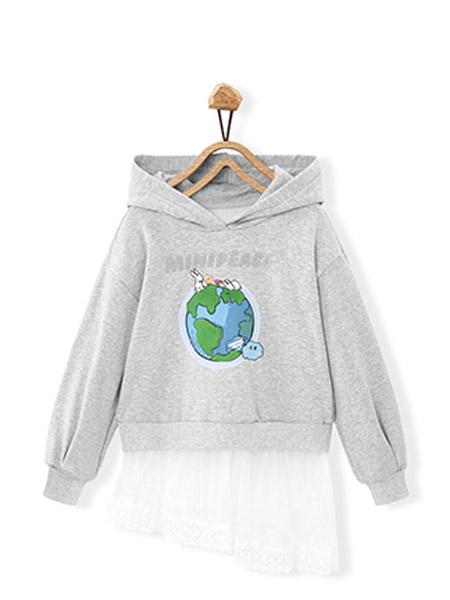 太平鸟童装Mini Peace童装品牌2021秋季地球印花刺绣卫衣