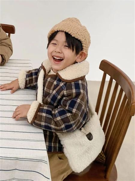 炒饭童装品牌2021秋冬羊绒格子纹路外套
