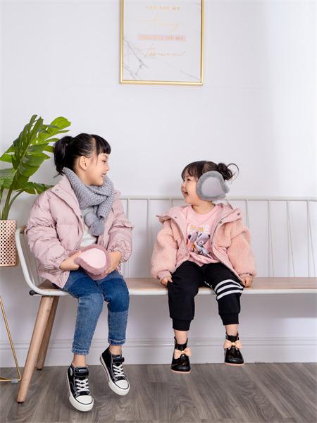熊卡唯妮童装品牌2021秋冬薄款纯棉休闲外套