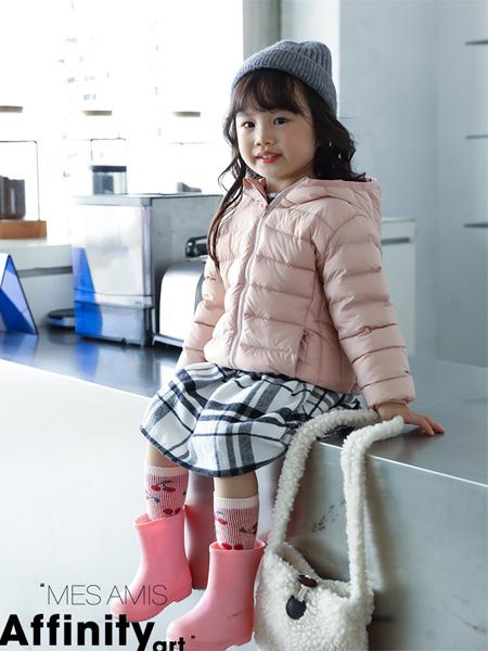 摩米 Mes ami童装品牌  冬装款式多多  欢迎加入