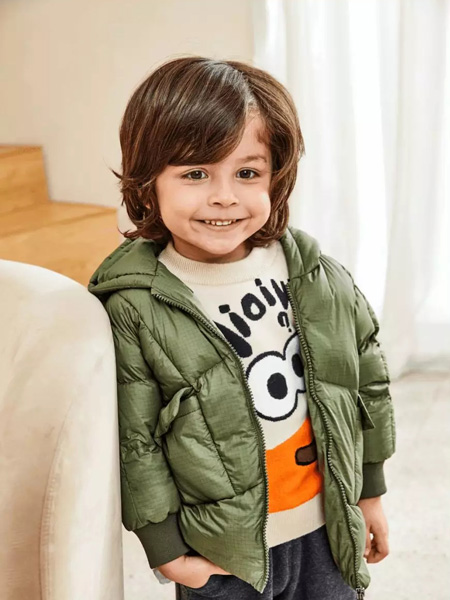 童装品牌有哪些?2021加盟艾艾屋童装品牌好不好?