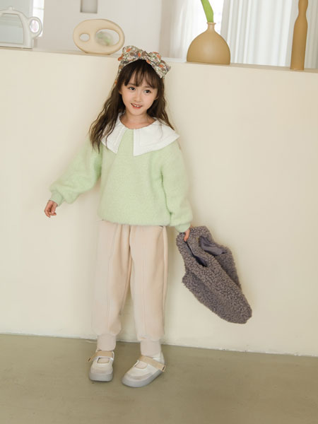 西瓜王子童装品牌2021秋冬绿色娃娃领卫衣