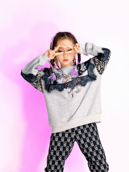 时尚小鱼童装品牌2021秋冬蕾丝拼接百搭上衣